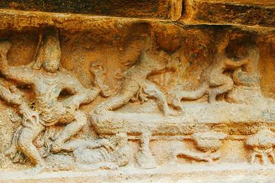 Markandaya holding on to the lingam, Darasuram, Airavateswara te
