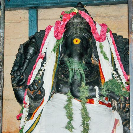 Mukkuruni Vinayakar, Meenakshi temple, Madurai, India