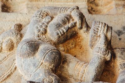 Hall of 100 pillars - Dancer and a mirror, Varadaraja Perumal Te