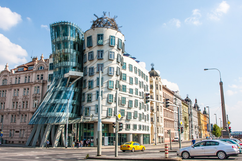 Dancing House,  Vlado Milunić in cooperation with Canadian-Amer