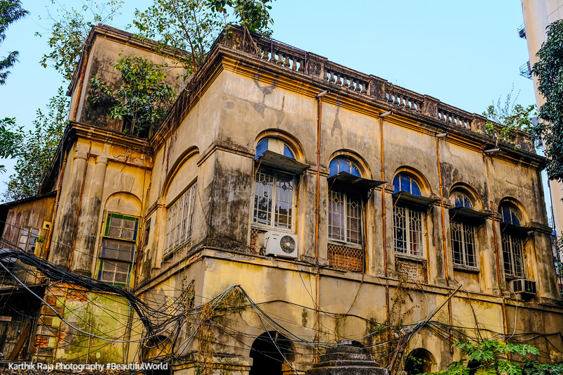 Old Dilapilated Mansions, Park Street, Kolkata, India
