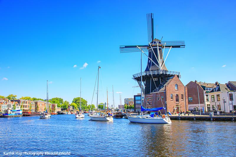 Windmill De Adriaan (1779) Molen De Adriaan, Haarlem, Netherland